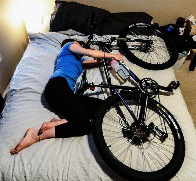 убор военных велосипед на диване фото запускать надо, только